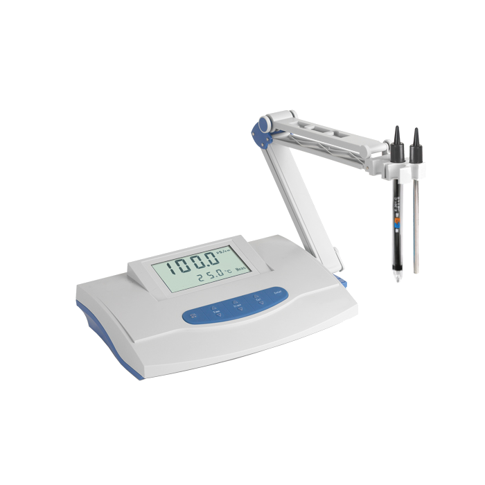 Water Conductivity Measurement : Conductivity meter with temperature high purity water